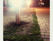 światła na osiedlu.